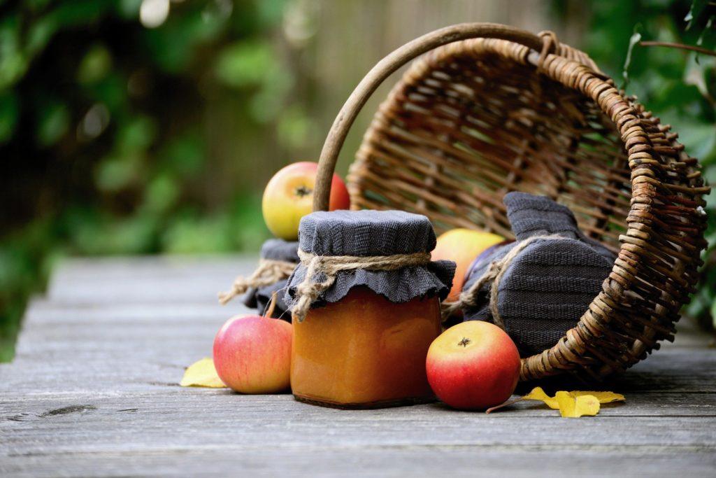 Apfel mit Apfelmus